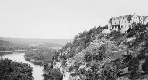 hahatonka_castle_1930's_600dpi_cropped