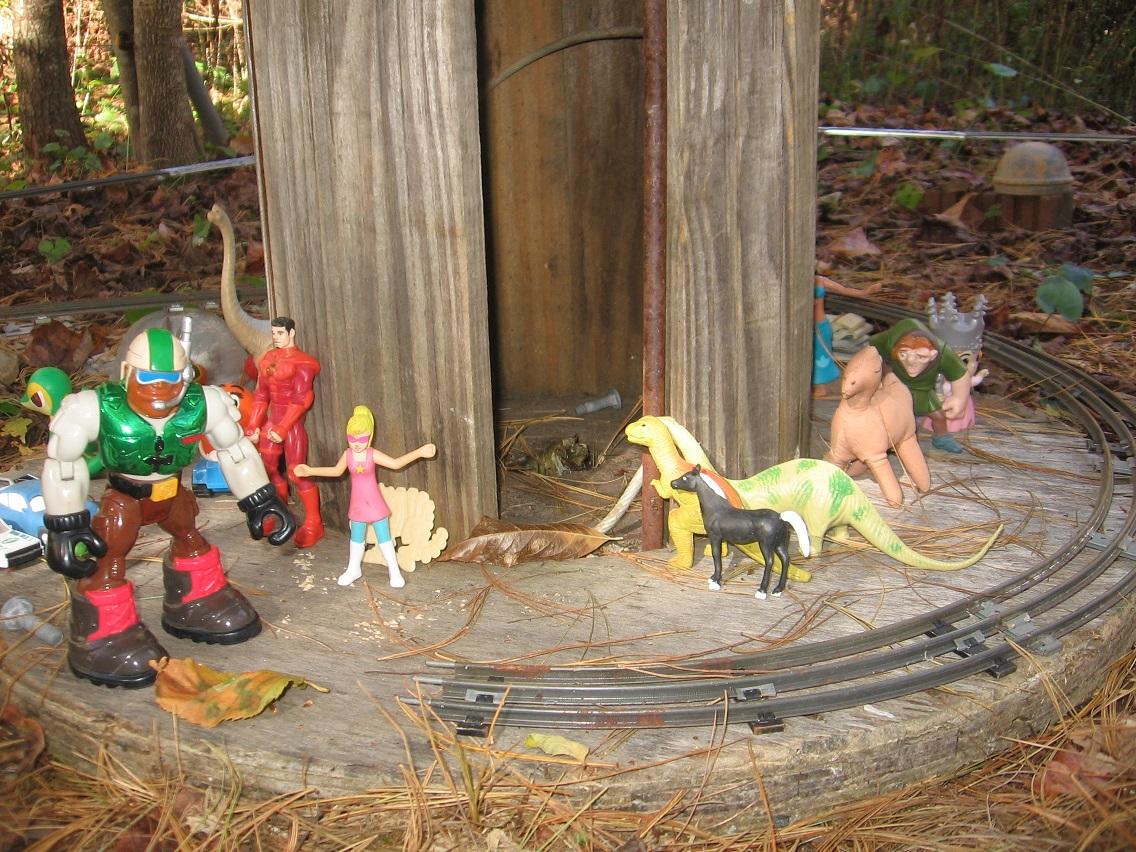 Bigfoot lawn ornament - Img_0499smaller